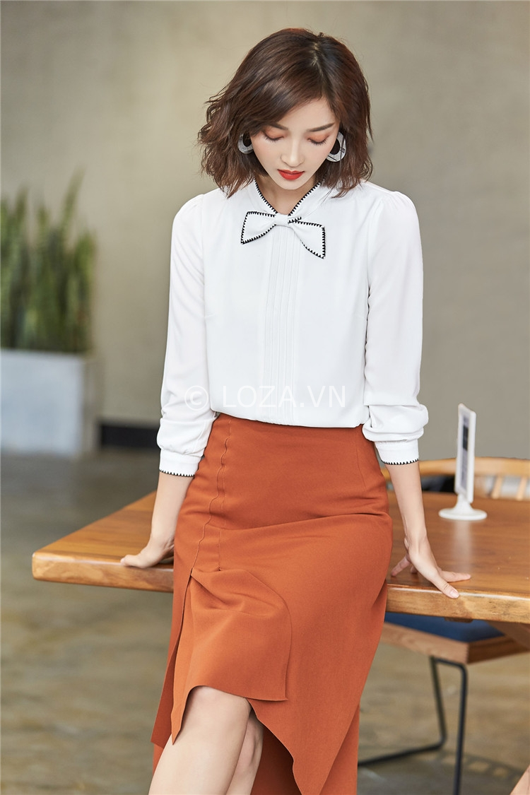 Những chiếc áo sơ mi đơn giản và nhẹ nhàng