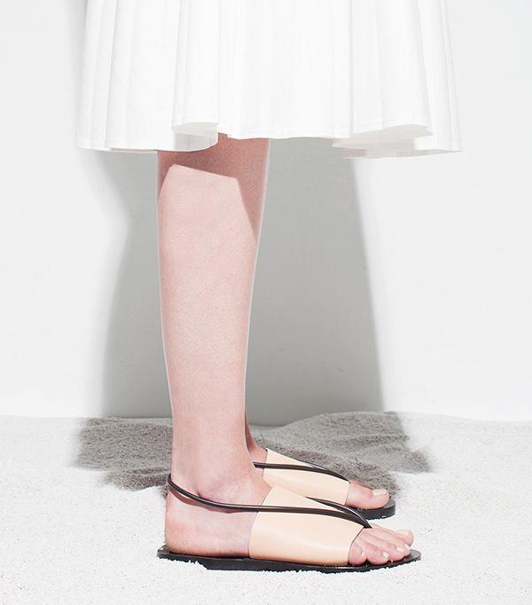 Chọn sandal cho người có chân thô to