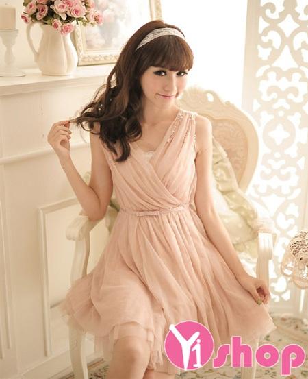 Chiếc váy hồng pastel nhẹ nhàng ,gợi cảm và rất sexy với chát liệu voan mỏng tinh tế