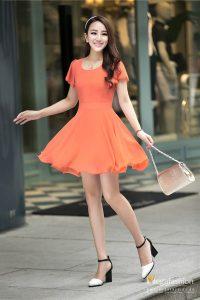 Váy liền dạo phố
