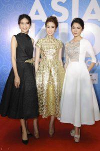 Đỗ thùy Linh xinh đẹp bên cạnh 2 á hậu