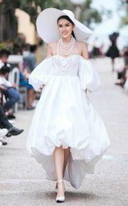 Hoa hậu kỳ Duyên trong chiếc váy màu trắng