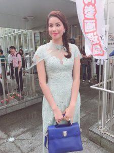 Hoa hậu Phạm Hương tại sân bay