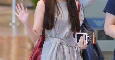Những bộ trang phục của IU hết sức đơn giản nhưng lại mang một phong cách thời trang tuyệt vời