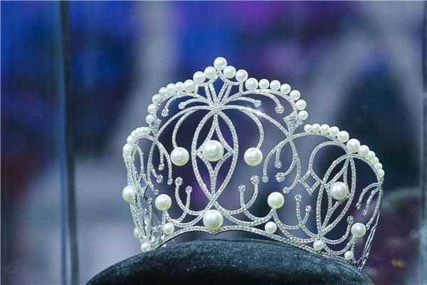 vương miện, phụ kiện đáng mơ ước, vương miện hoa hậu