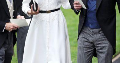 Meghan Markle diện đầm trắng tham dự lễ đua ngựa hoàng gia