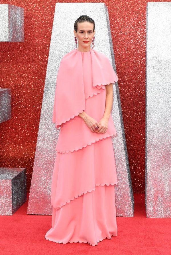 thời trang nổi bật của Nữ diễn viên người Mỹ Sarah Paulson