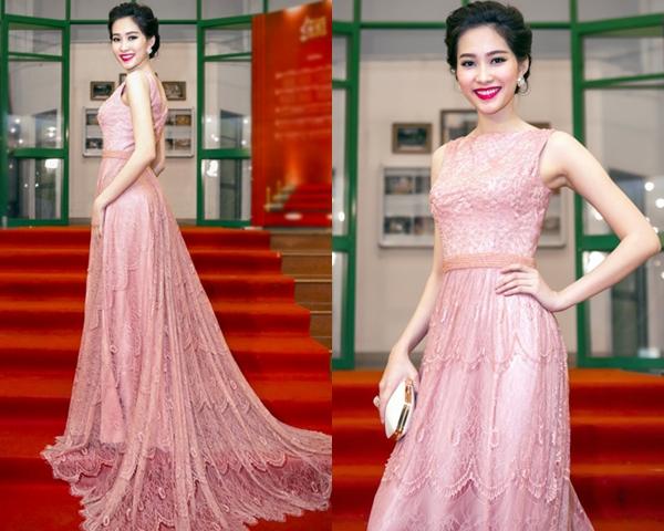 Lưu ý khi chọn váy đầm dạ hội kết hợp với phụ kiện