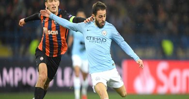 Bernardo Silva giúp Man City