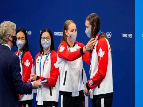 Tin thể thao 16/7: VĐV Olympic được tháo khẩu trang 30 giây để chụp ảnh